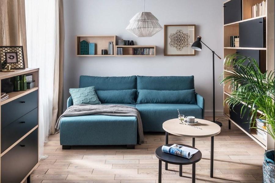 Небольшой угловой диванчик в гостиной хрущевки