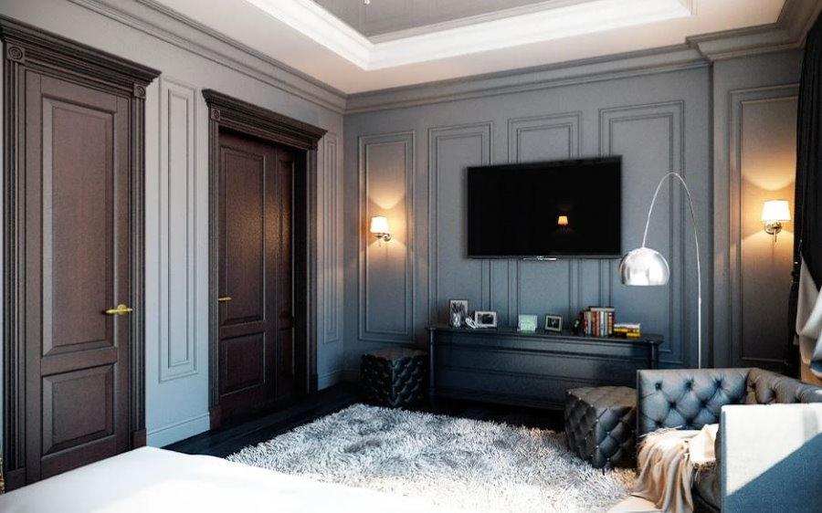Серые панели на стене спальни для холостяка