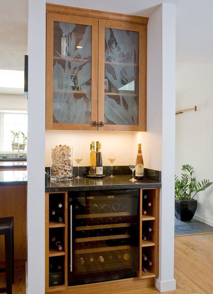 Шкаф для посуды в нише над варочной плитой