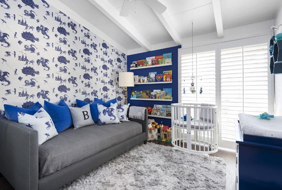 Детская комната с бумажными обоями
