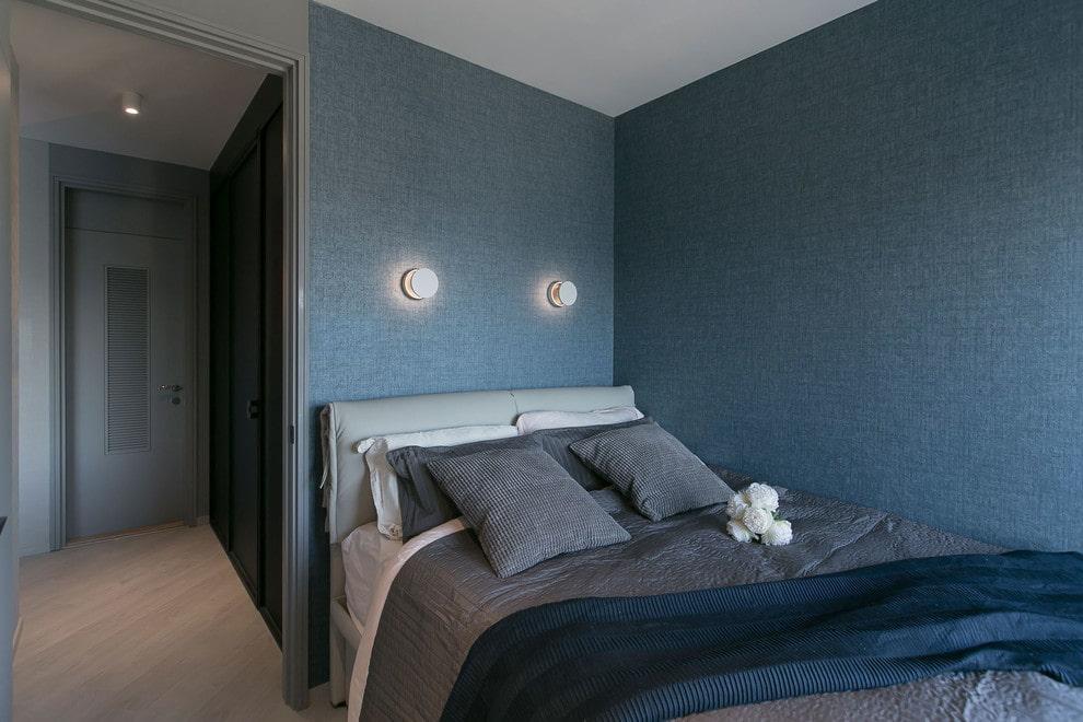 Темно-синие обои синего цвета в спальне подростка