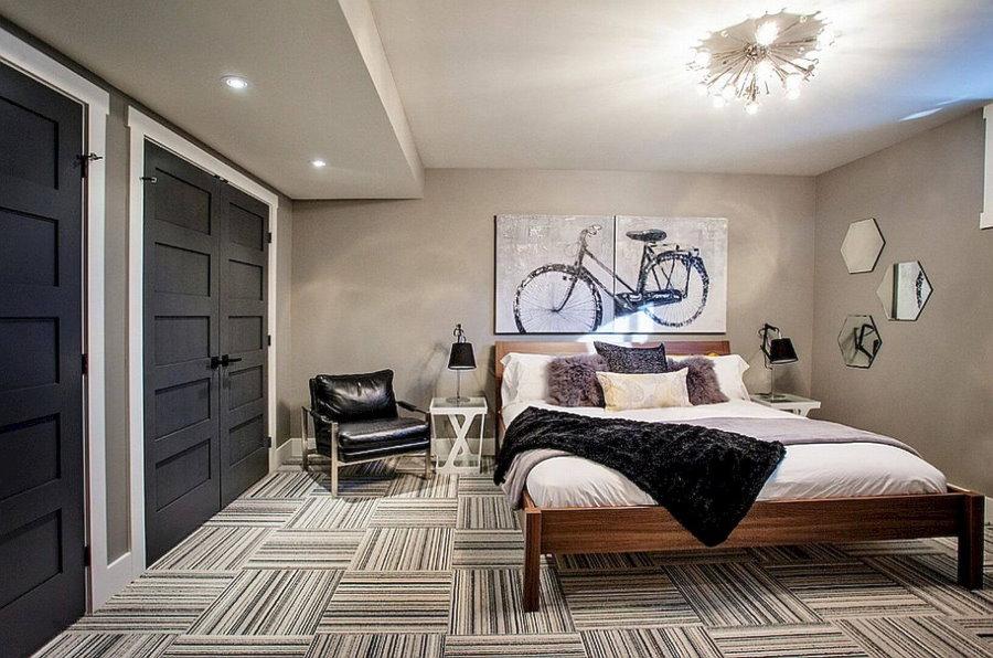 Однотонные стены в спальне молодого человека