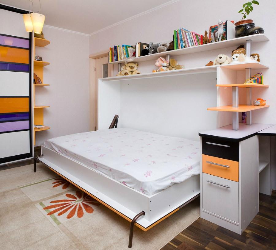 Детская мебель с откидной кроватью в комплекте