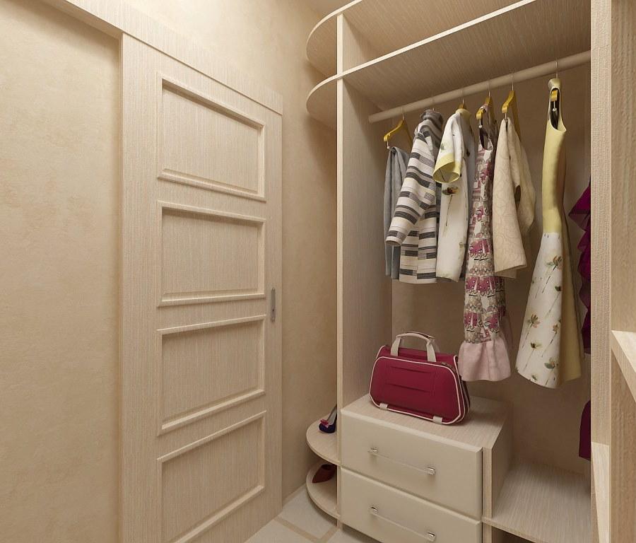 Открытый мини-гардероб в маленькой прихожей