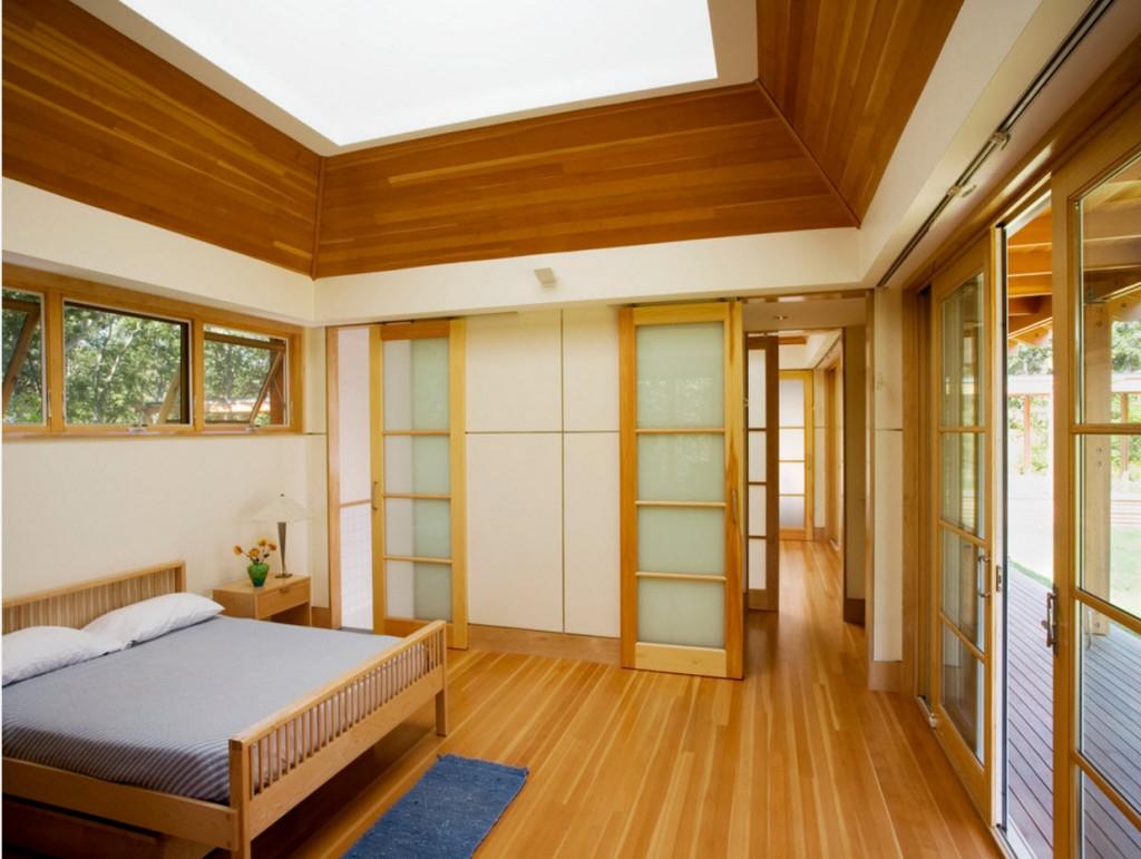 Квадратная комната с мебелью в японском стиле