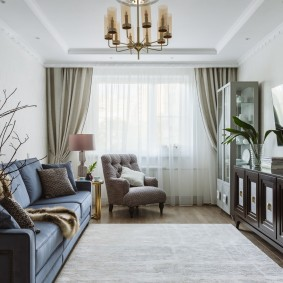 расстановка мебели в гостиной обзор