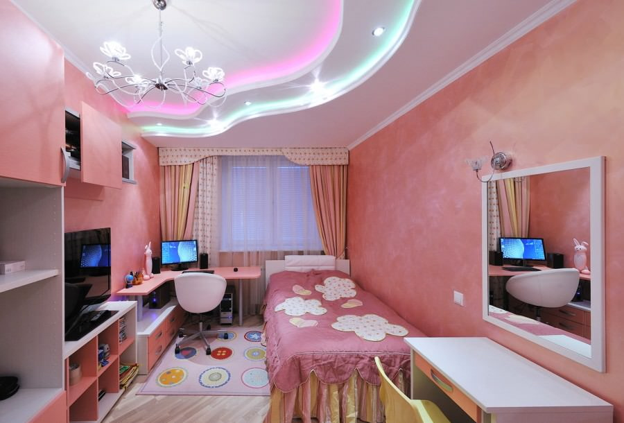 Розовые стены в спальне девочки-подростка
