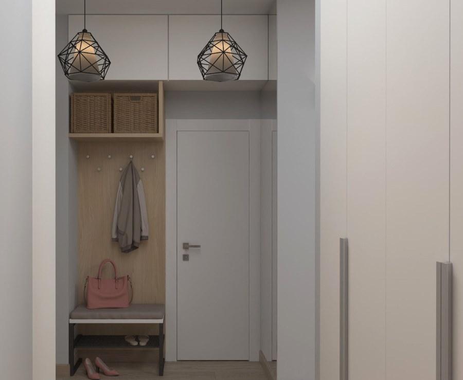 Шкафчики под потолком в маленьком коридоре