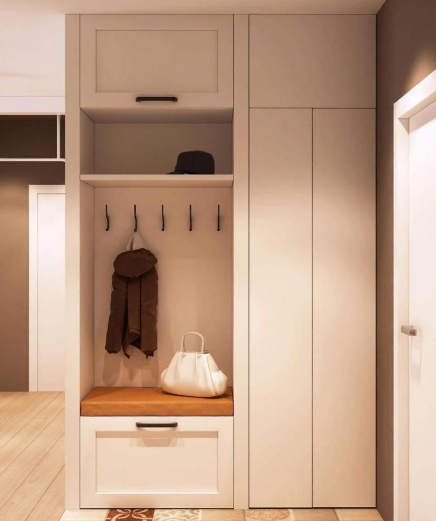 Встроенный шкаф с антресолью в маленькой прихожей