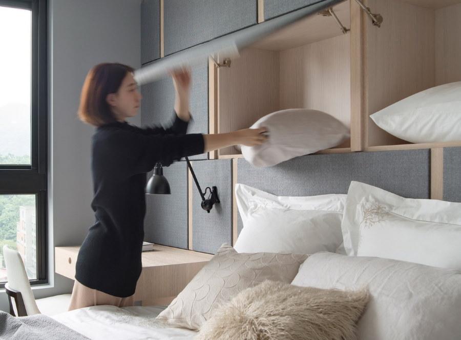 Шкафы для подушек в спальне небольшого размера