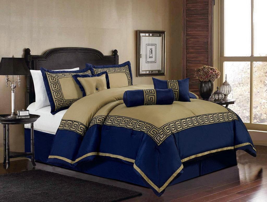 Спальная комната в сине-бежевой комбинации