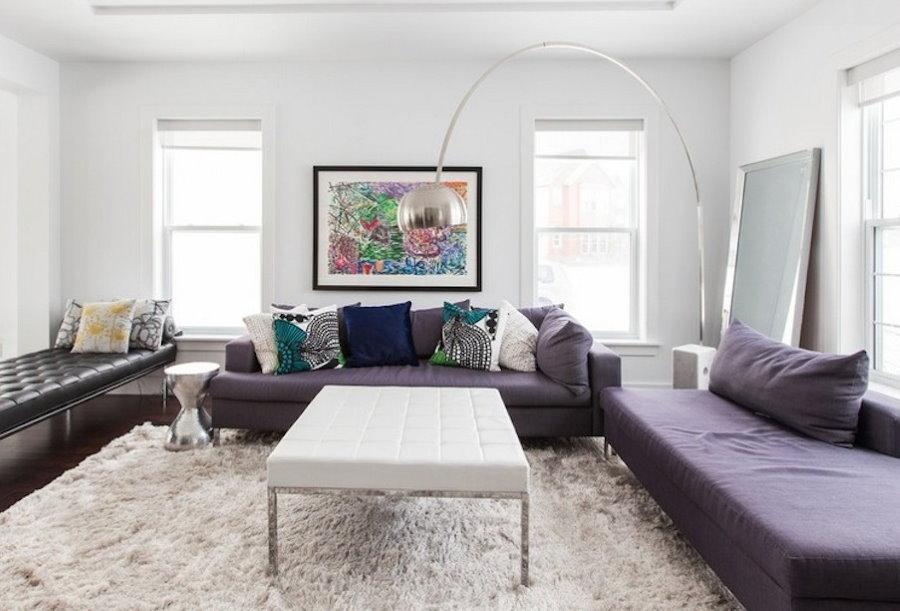Интерьер гостевой комнаты в стиле сканди с диванами