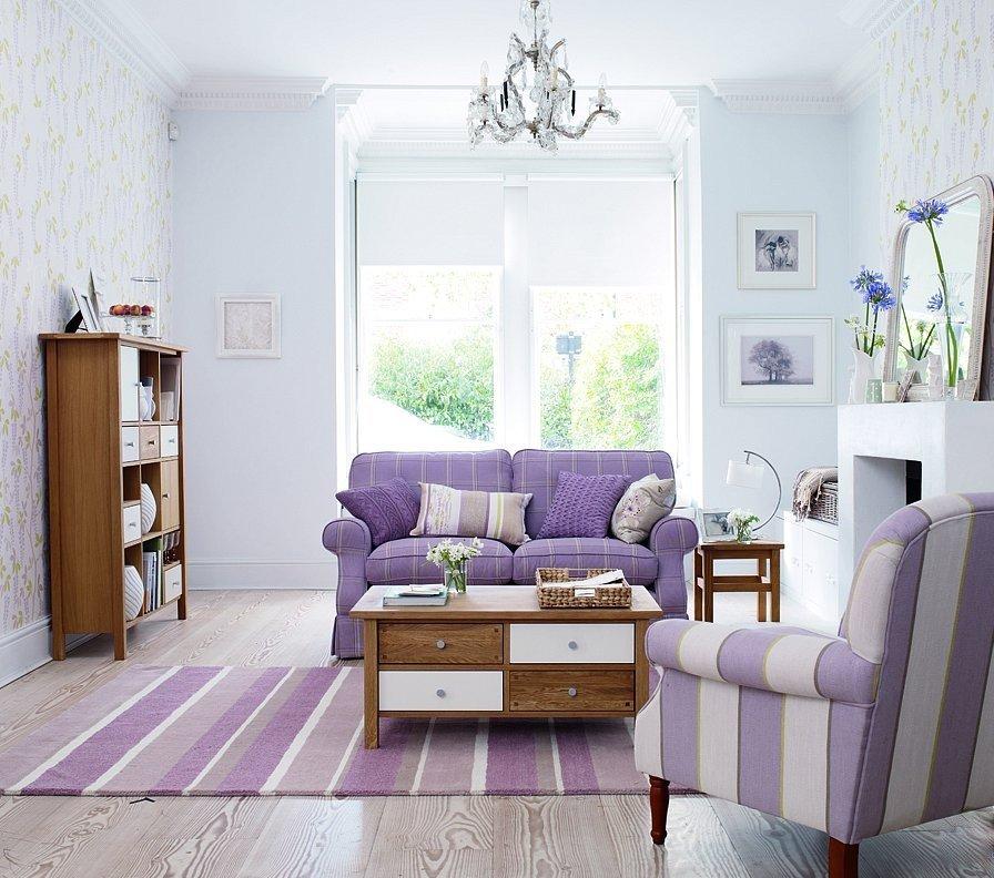 Меблировка светлой гостиной в стиле прованса