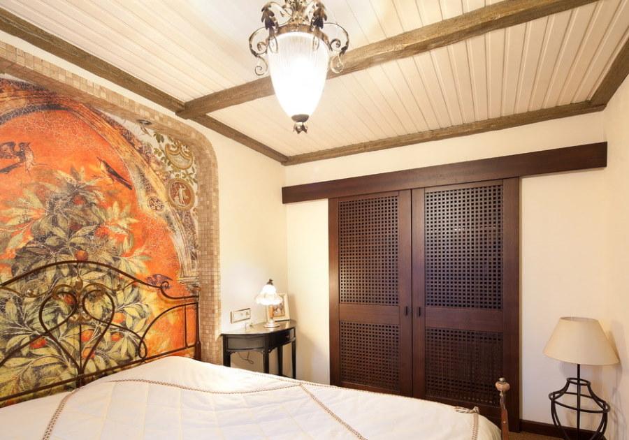 Уютная спальня в средиземноморском стиле