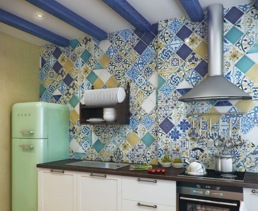 Рабочая зона кухни в испанском стиле