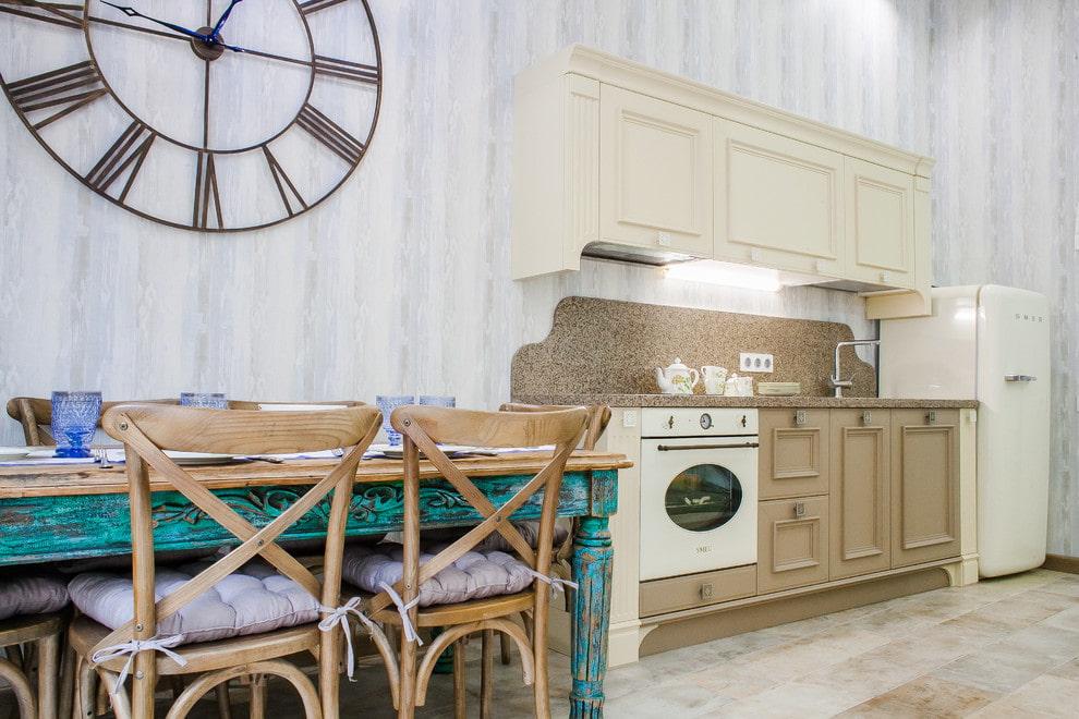 Кухонные стулья в стиле ретро из дерева