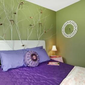 стена за кроватью в спальне