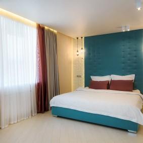 стена за кроватью в спальне фото декор