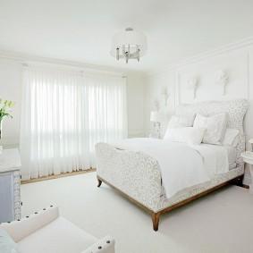 стена за кроватью в спальне фото варианты