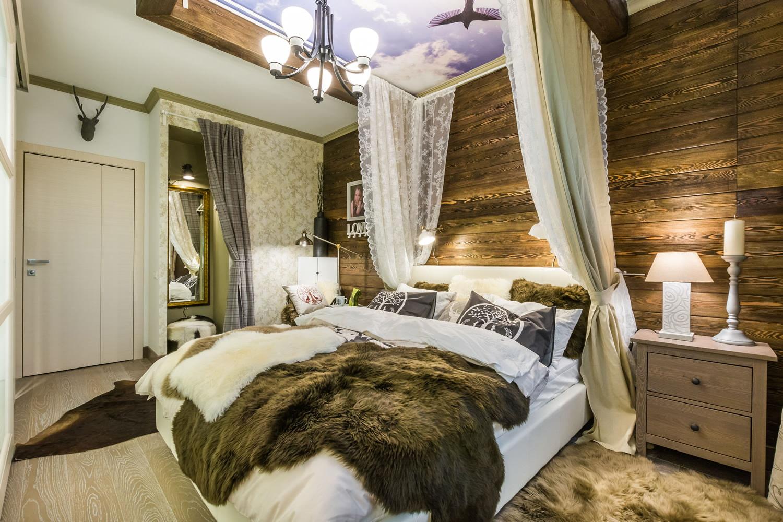 стена за кроватью в спальне балдахин