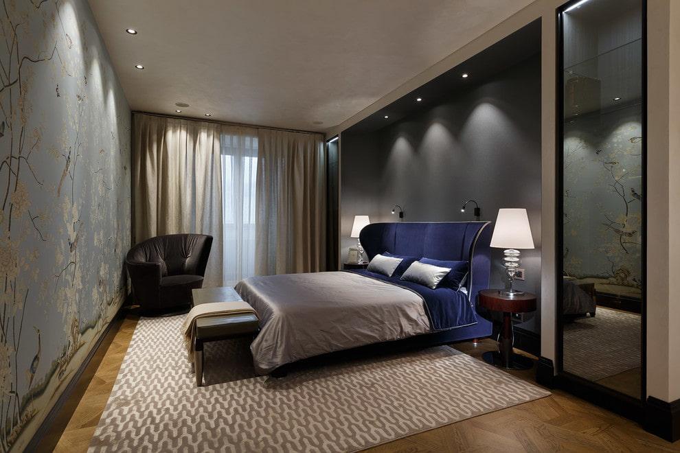 Подсветка встроенными светильниками ниши в спальной комнате