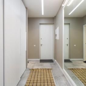 узкий коридор в квартире обзор