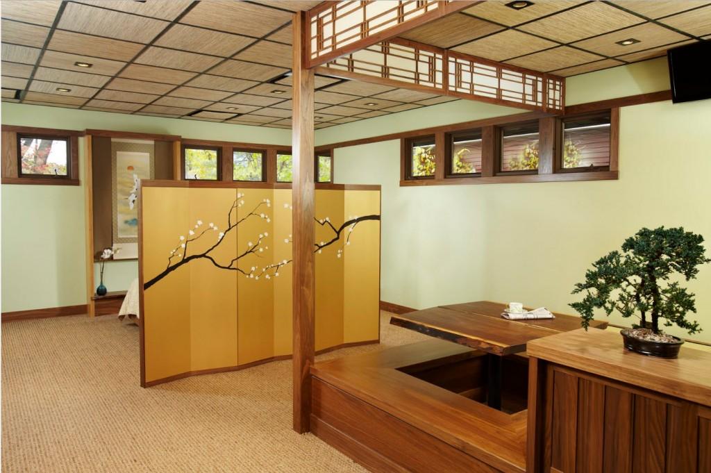 Ширма в спальне-гостиной японского стиля