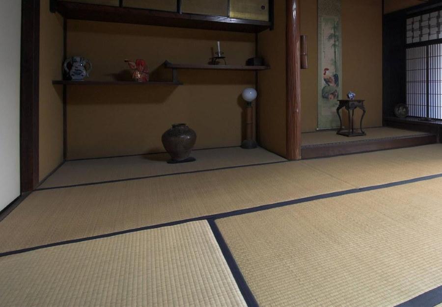 Японская комната с татами на полу