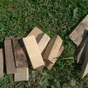 Короткие заготовки для каркаса деревянной грядки