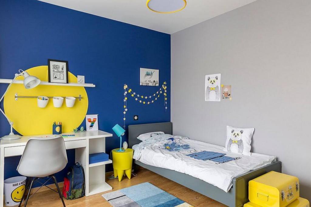 Желто-голубая комната для подростка