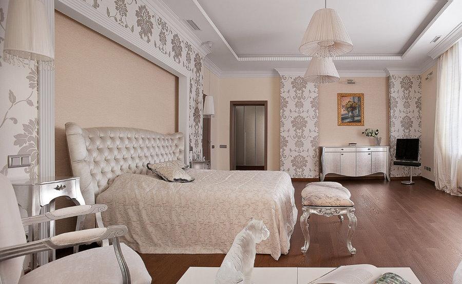 Коричневый пол в спальной комнате
