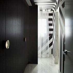 чёрно белая прихожая фото декор