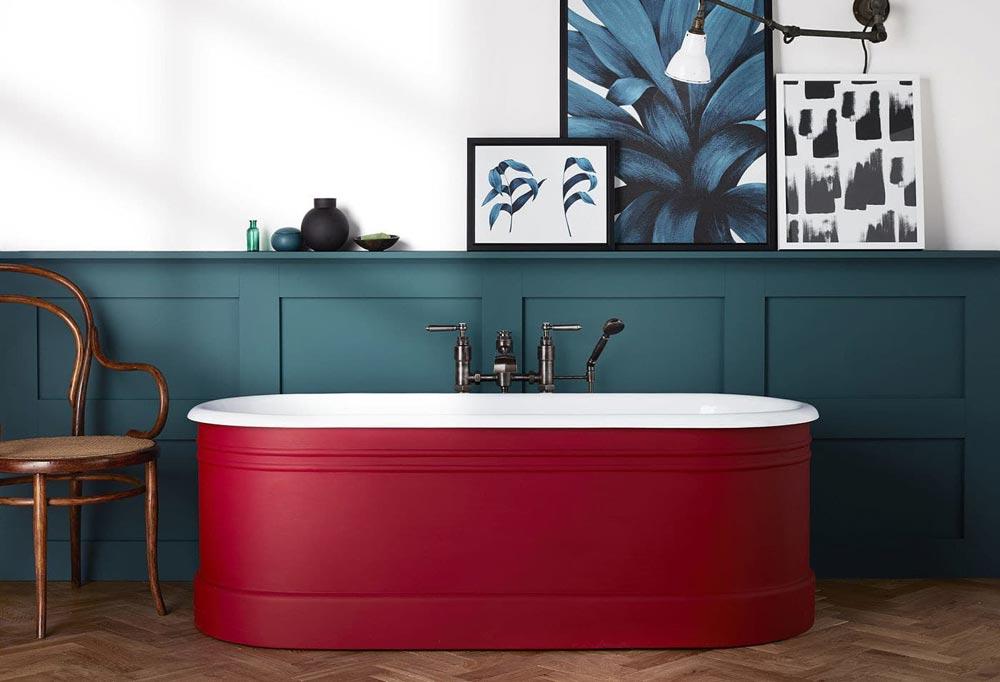 Дизайн раздельного санузла с цветной ванной