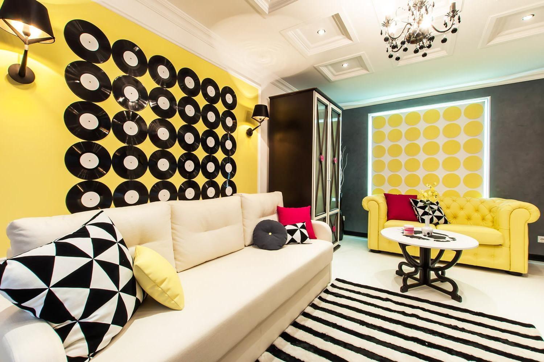 декор квартиры подушки