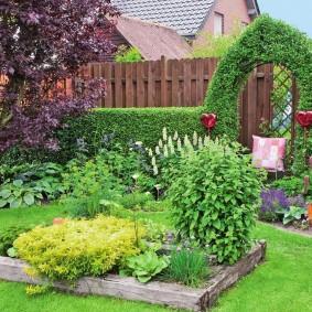 декор маленького сада оформление