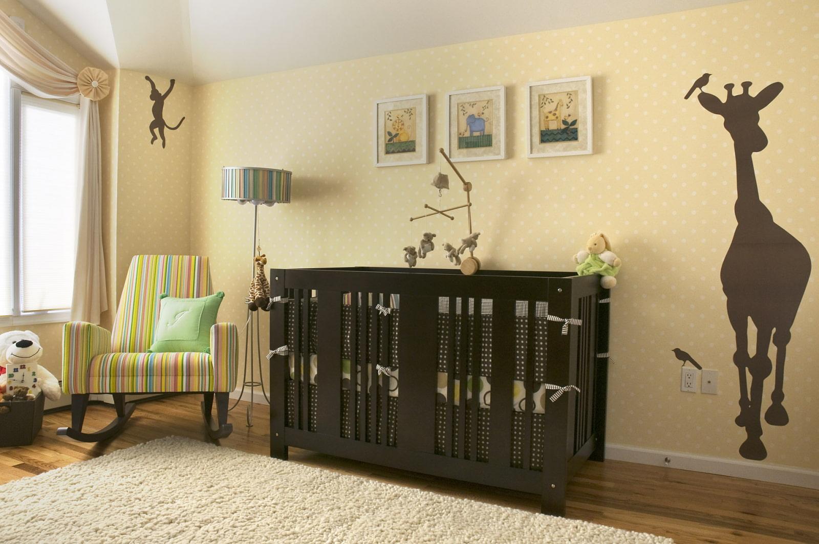 декор стен в комнате для малыша
