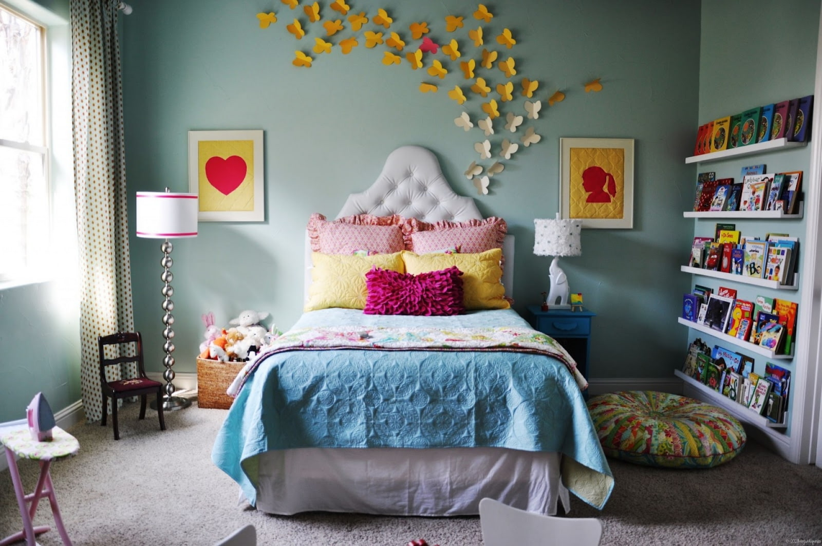 декор стен в комнате для девочки