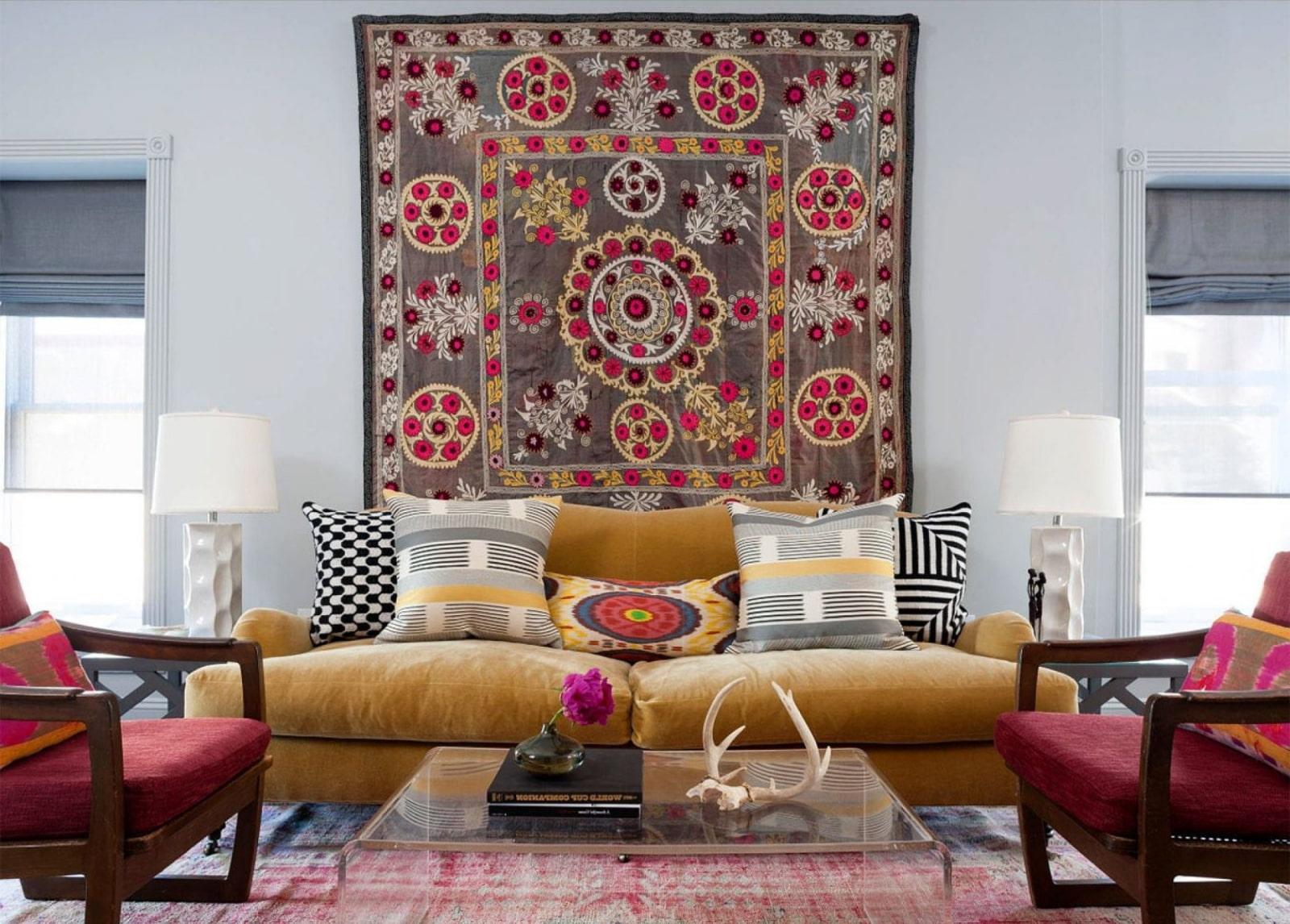 декор стен в комнате текстильное оформление
