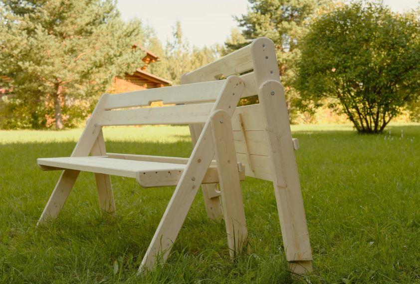 Складная садовая скамейка из сосновых дощечек