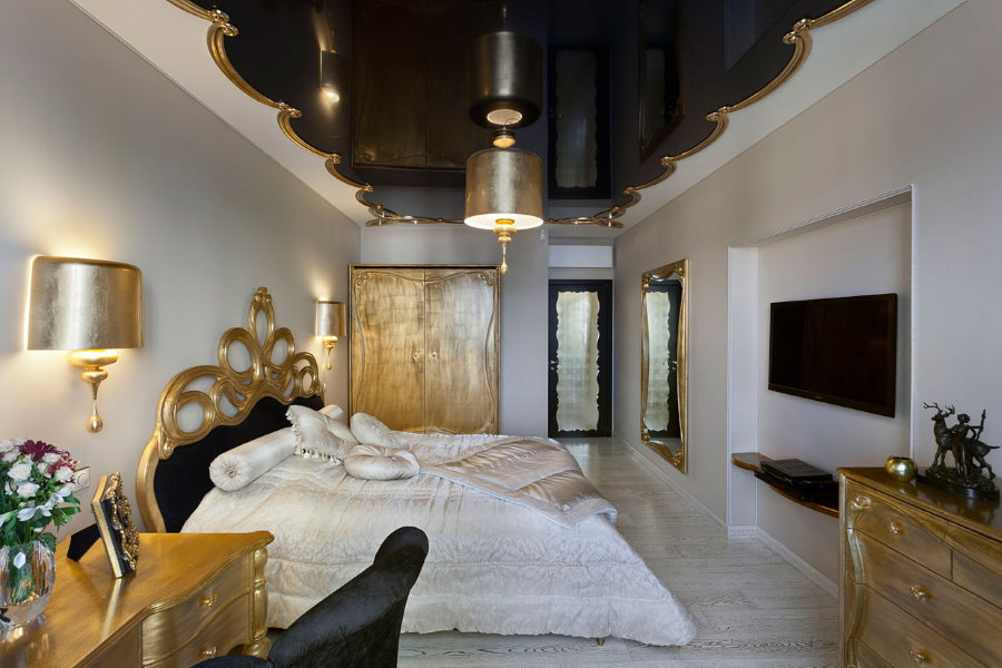 Черный потолок в спальне премиум-класса