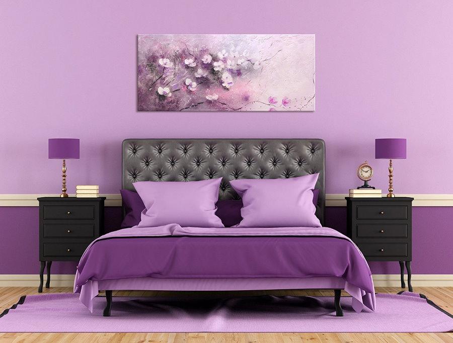 Спальная комната в фиолетовых оттенках