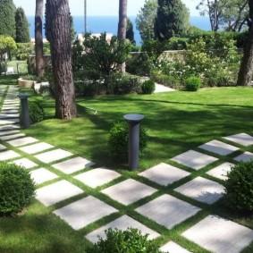 Садовые дорожки из цементной плитки