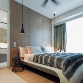 Серые занавески в современной спальне