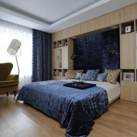 Синие шторы с геометрическим рисунком