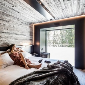 Стильная спальня для молодой девушки