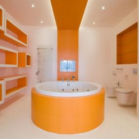 оранжевая ванна круглой формы