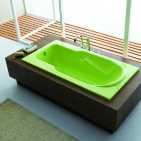 Зеленая чаша акриловой ванны