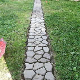 Дорожка из бетона своими руками