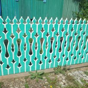 Красивый заборчик из деревянных досок