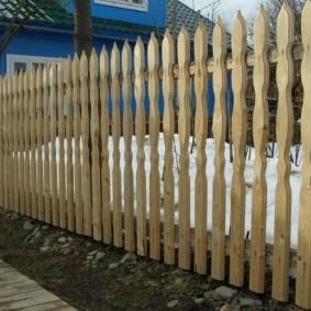 Деревенский забор своими руками из дерева